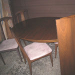 Victoriaville Dining Table